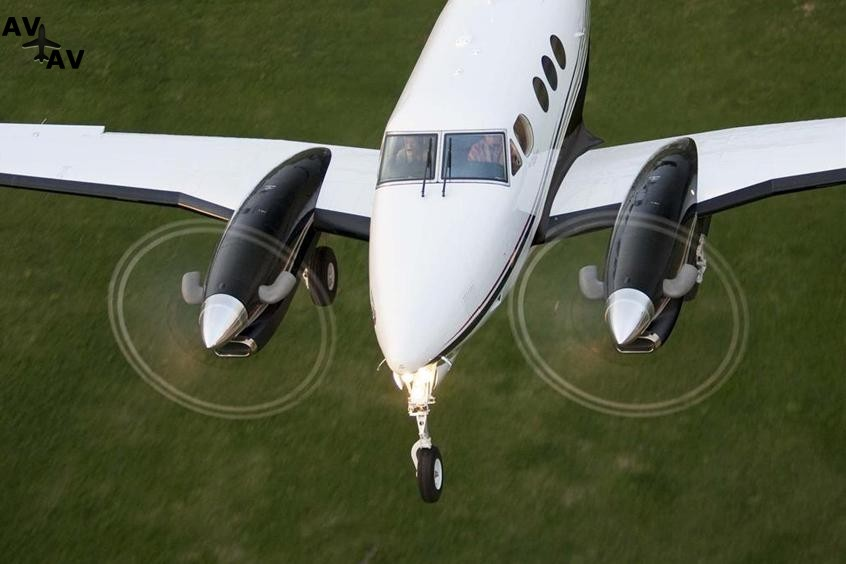 Beech BE90 King Air PrivateFly AB1109 - Charter a Beech BE90 King Air - Аренда
