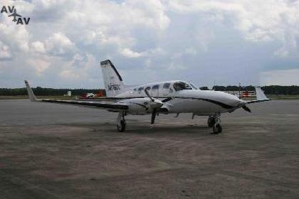 Cessna C414 Chancellor PrivateFly CC AA3429 - Charter a Cessna C414 Chancellor - Аренда