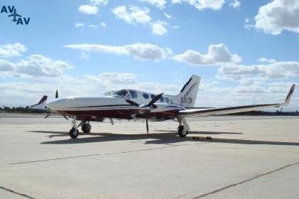 Cessna C414 Chancellor PrivateFly CC AA3670 - Charter a Cessna C414 Chancellor - Аренда