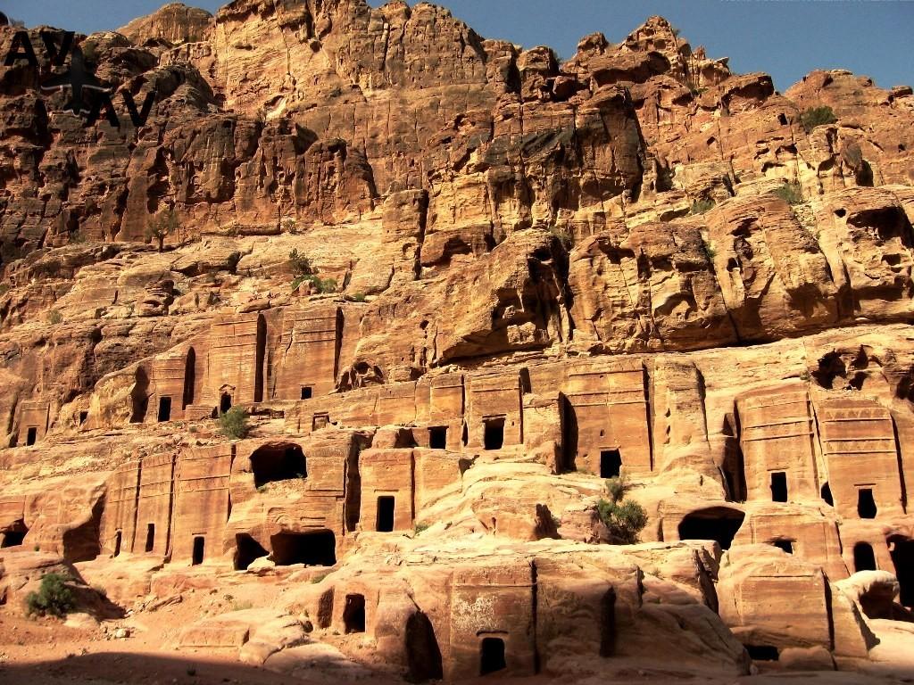 Istoriya i dostoprimechatelnosti goroda Petra v Iordanii - История и достопримечательности города Петра в Иордании
