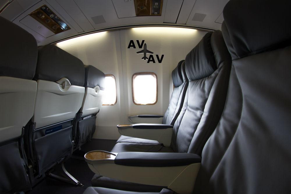 MG 0327 - Boeing 737-500W