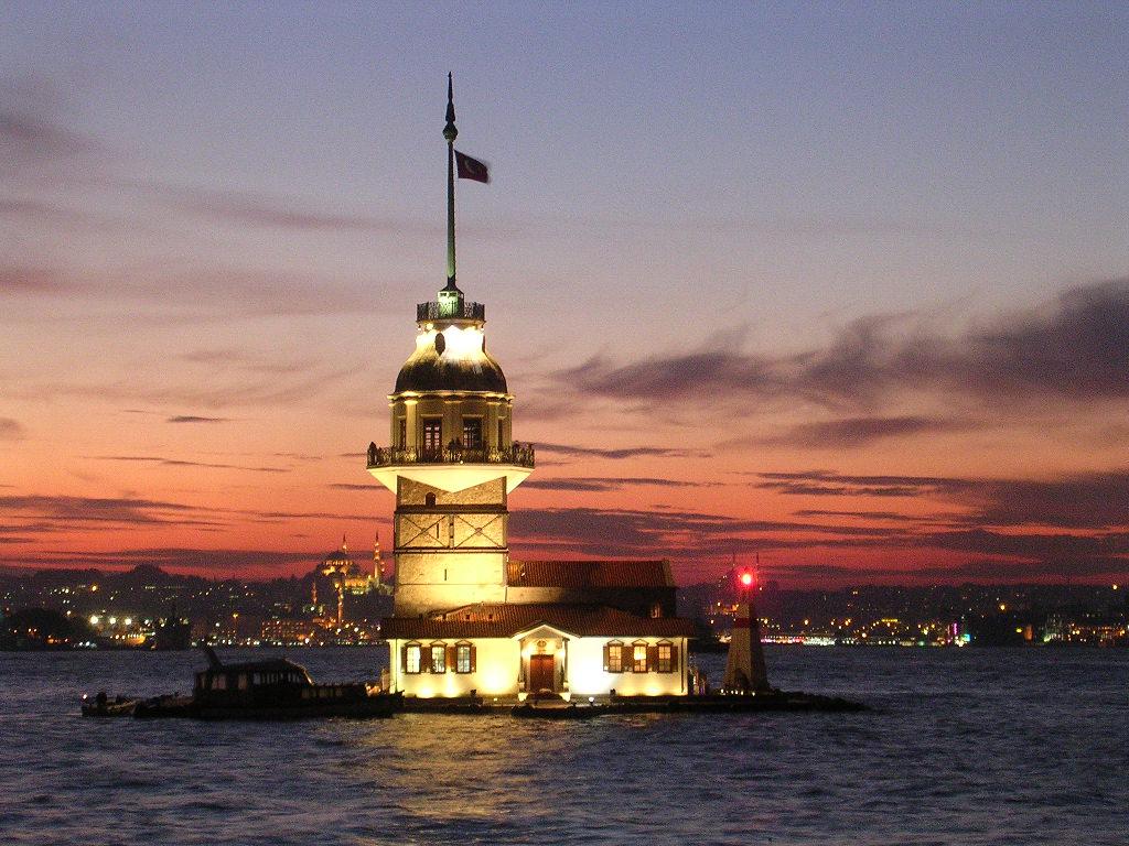Maiden tower - Путешествие в Стамбул