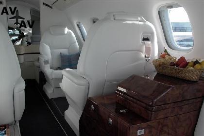 Piaggio P180 Avanti PrivateFly AA1069 - Charter a Piaggio P180 Avanti - Аренда