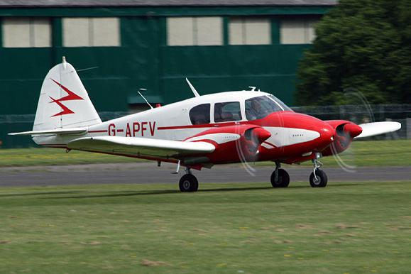 Piper PA23 Apache PrivateFly AA1005 - Charter a Piper PA23 Apache - Аренда