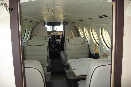 Piper PA31 Navajo PrivateFly AA1029 - Charter a Piper PA31 Navajo - Аренда