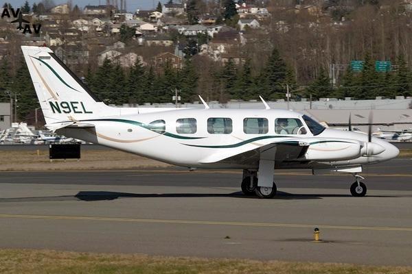 Piper PA31 Navajo PrivateFly AA1052 - Charter a Piper PA31 Navajo - Аренда