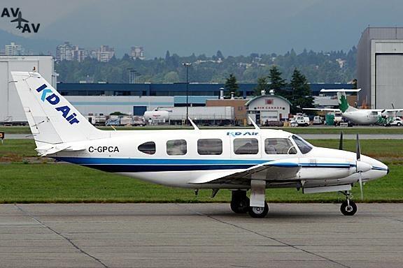 Piper PA31 Navajo PrivateFly AA1100 - Charter a Piper PA31 Navajo - Аренда