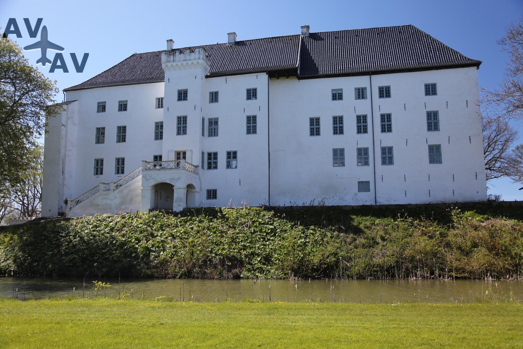 Zamok Dragsholm - Самые загадочные замки мира