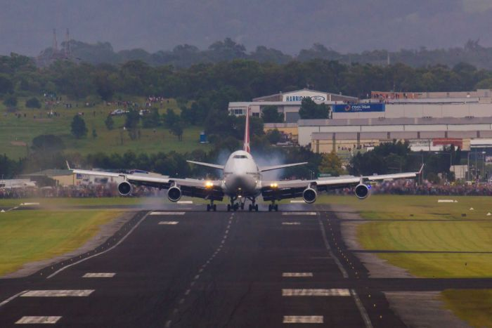 airport21 - Аэропорт Вуллонгонга Австралия коды IATA: WOL