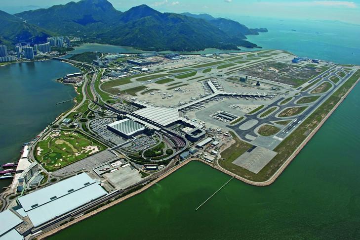 csm HKG Hong Kong International 02 99993bccbc - В Гонконге появятся первые в мире мобильные терминалы
