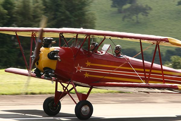 fleet - Полет на борту самого старинного самолета в Бразилии