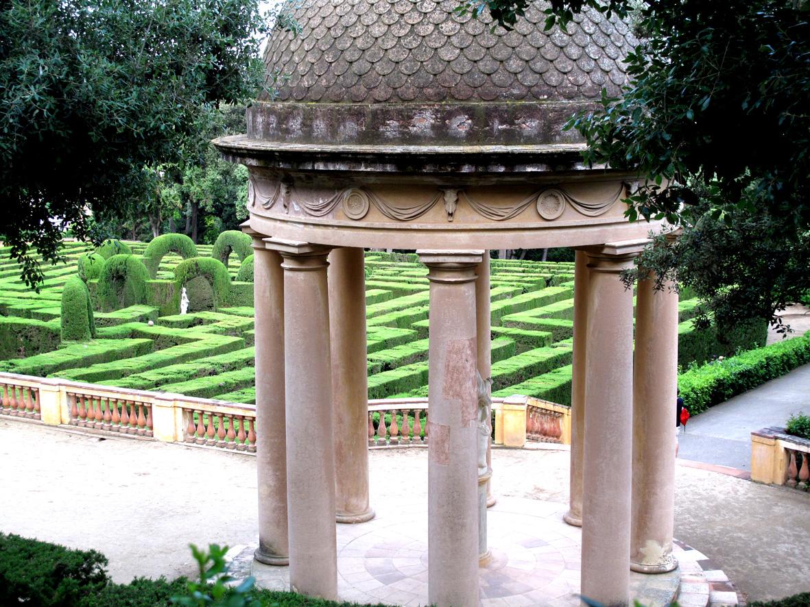 Лабиринт Орта – парк, в котором встретились любовь и смерть