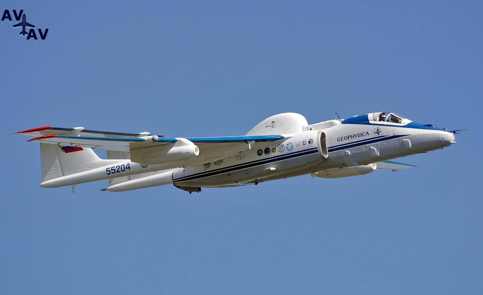 m 55 - Самолет М-55 «Геофизика» законсервировали до 2020 года
