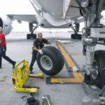 opona 150x150 - Как перевезти частный самолет?