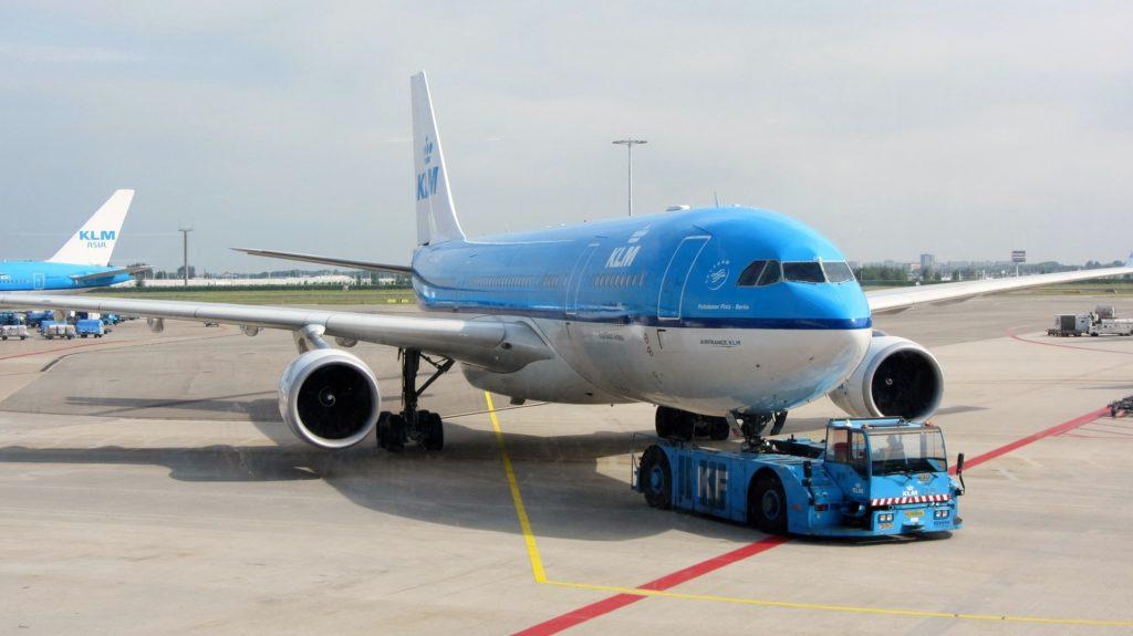 plane 1520407 1920 1024x575 - Дни бюджетных и чартерных авиакомпаний в аэропорту Схипхол сочтены