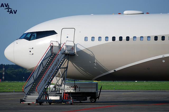 132498262341 - 16 частных самолетов, которыми владеют наши любимые знаменитости