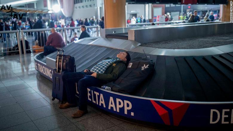 171217215210 08 atlanta airport outage 1217 exlarge 169 - Хартсфилд-Джексон вновь заработал