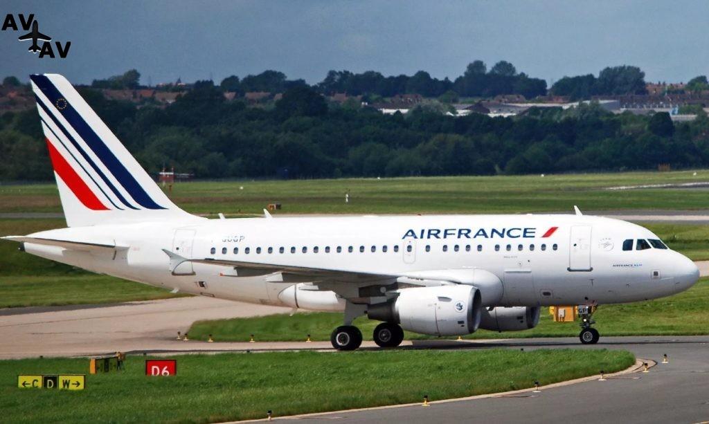 Air France 1024x613 - Самолет Air France совершил вынужденную посадку из-за утечки топлива