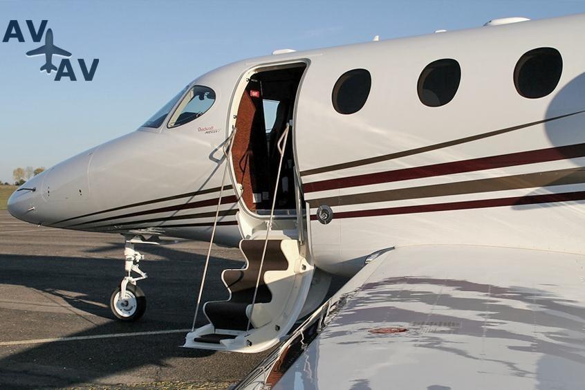 Beech 390 Premier 1 PrivateFly AB1070 - Charter a Beech 390 Premier 1 - Аренда