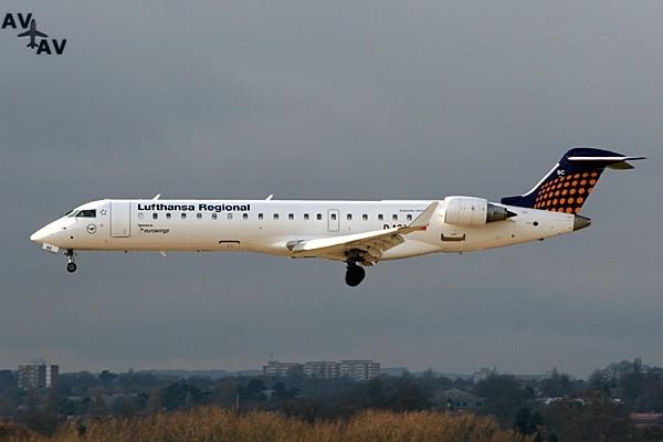Canadair Regional Jet CRJ700 PrivateFly AA1489 - Charter a Canadair Regional Jet CRJ700 - Аренда