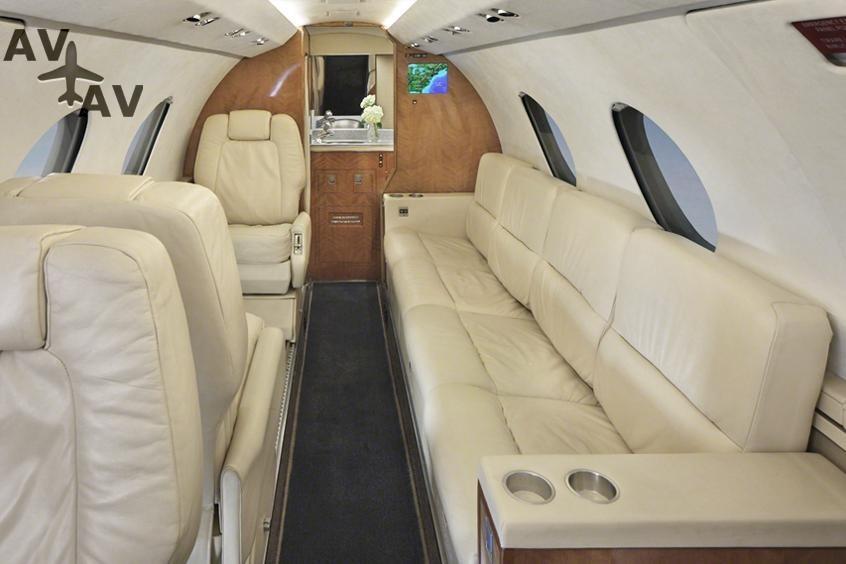 Falcon 20 200 PrivateFly AA9870 - Charter a Falcon 20 / 200 - Аренда
