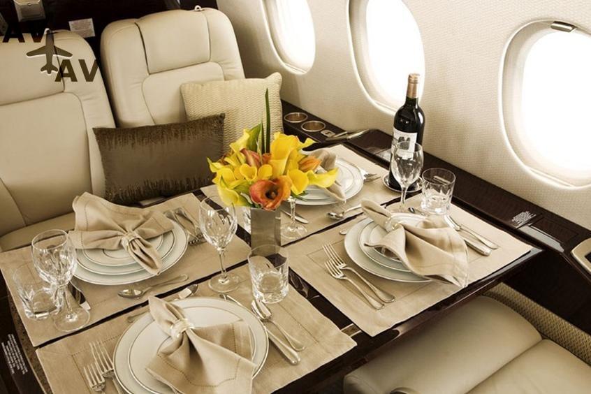Falcon 2000LX PrivateFly AA9716 - Charter a Falcon 2000LX - Аренда