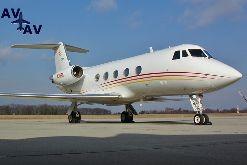 Gulfstream G2 PrivateFly AA9851 - Charter a Gulfstream G2 - Аренда