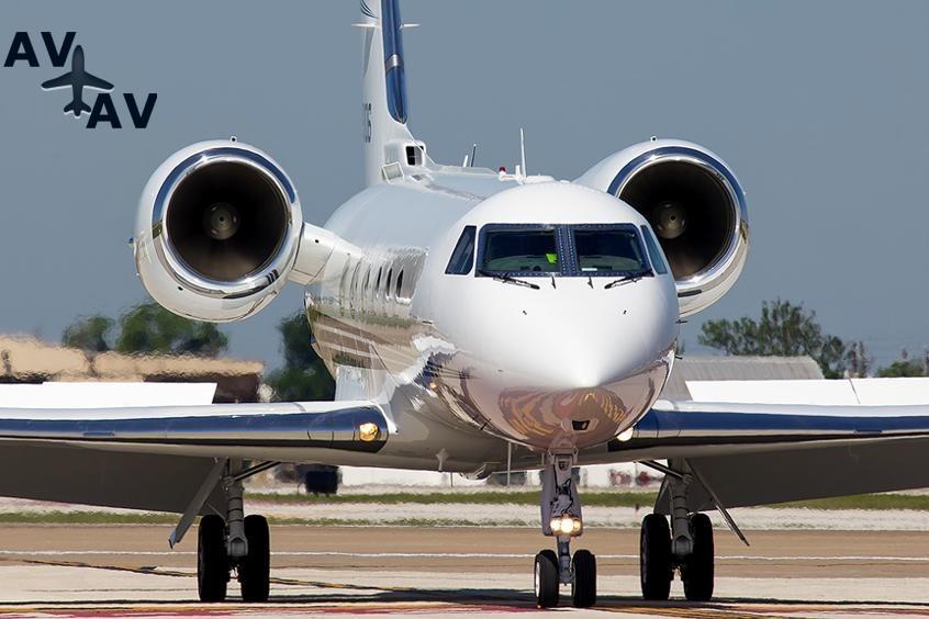 Gulfstream GIV PrivateFly AA9814 - Charter a Gulfstream GIV - Аренда