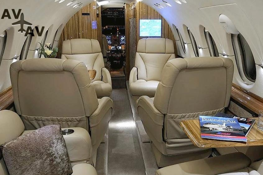 Hawker 600 PrivateFly AA9860 - Charter a Hawker 600 - Аренда