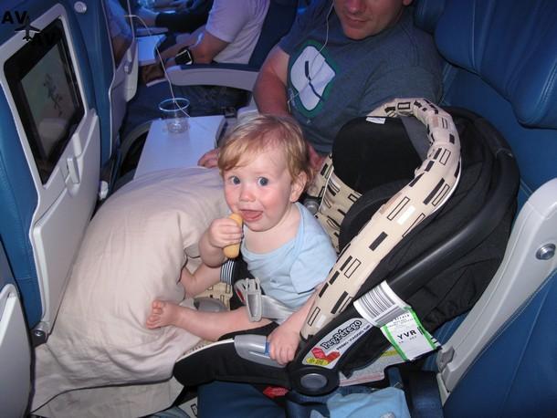 FAQ: перелет с младенцем
