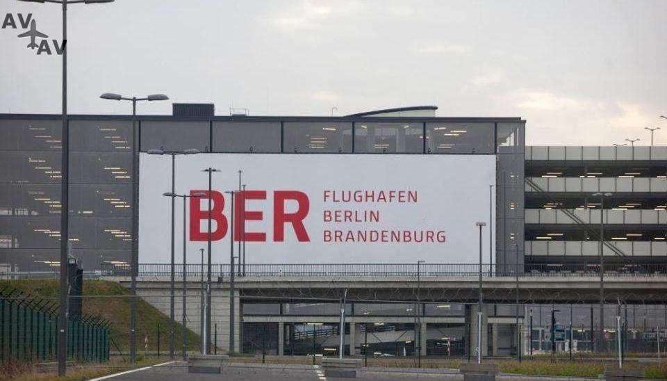 Flughafen Berlin Brandenburg будет сдан в 2020-м