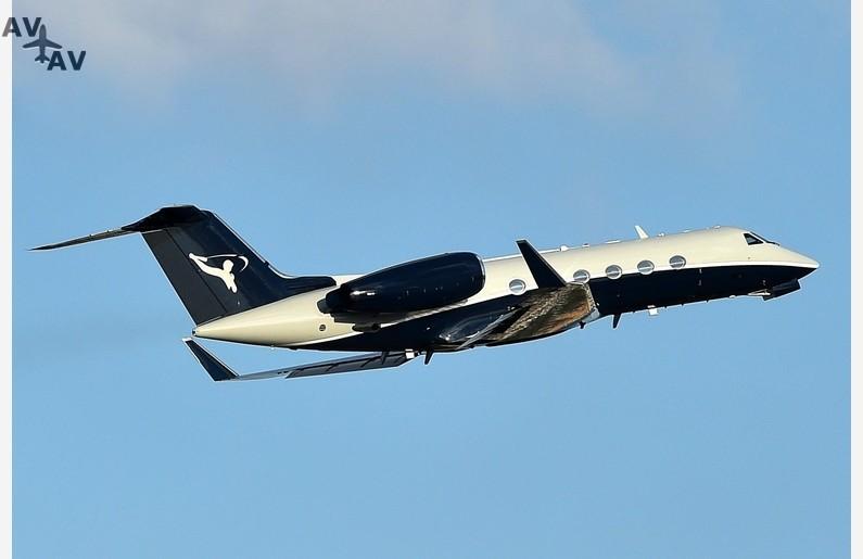 bgus 1094021 022  vid197183e - Алекс Родригес купил новый самолет для путешествий с Дженнифер Лопес и детьми