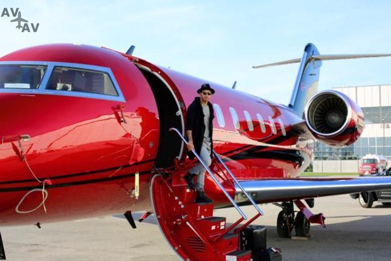wugcxsh3mba1v6w8nais - 16 частных самолетов, которыми владеют наши любимые знаменитости