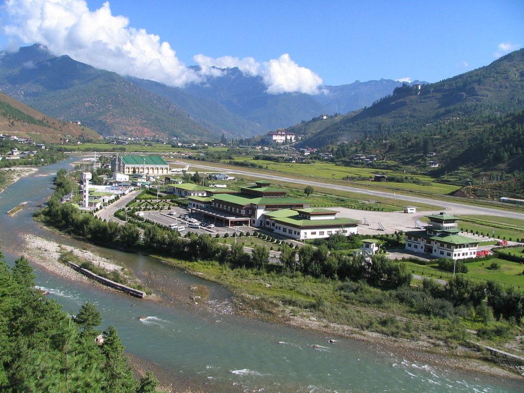 1200px Paro Airport 1024x768 - Аэропорты Бутан