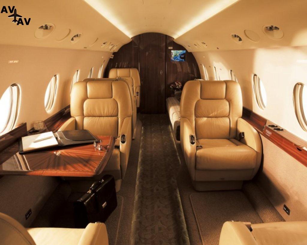 1288171075 1024x819 - Антонио Бандерас обзавелся новым самолетом за €4,5 миллиона
