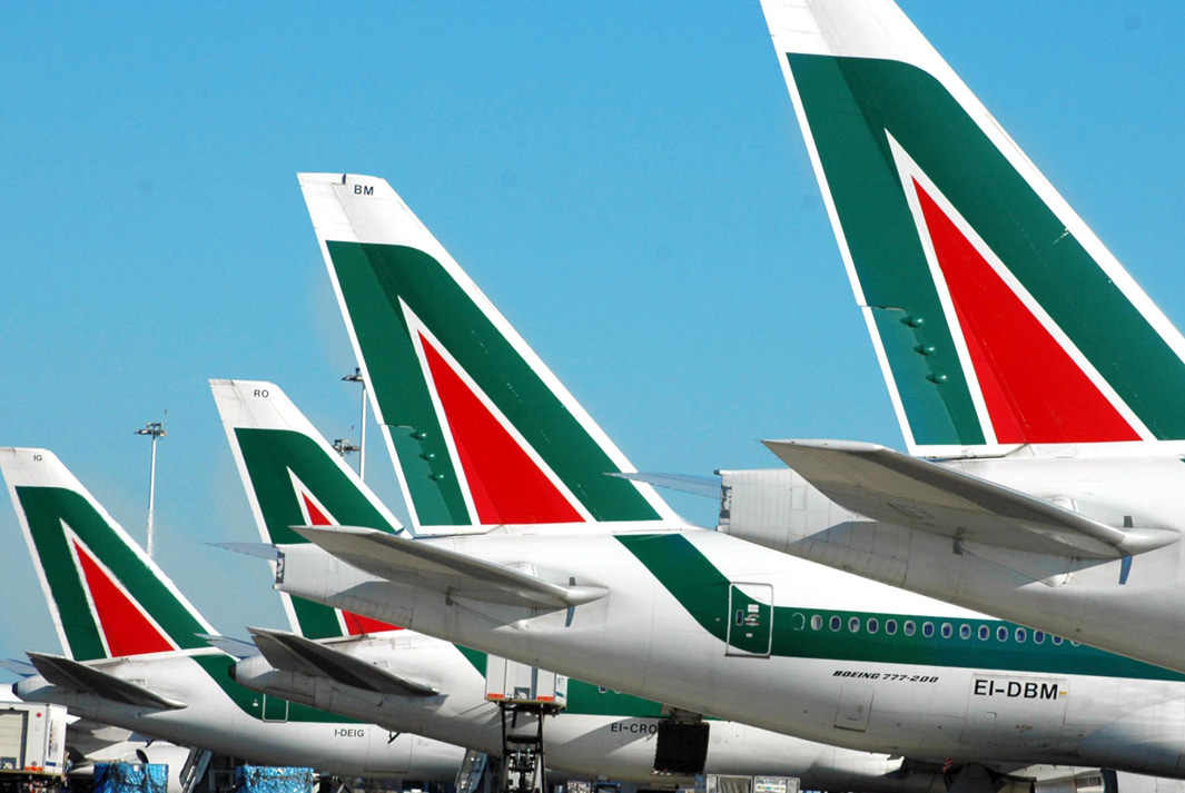 Авиакомпания Air France-KLM начала переговоры о покупке Alitalia