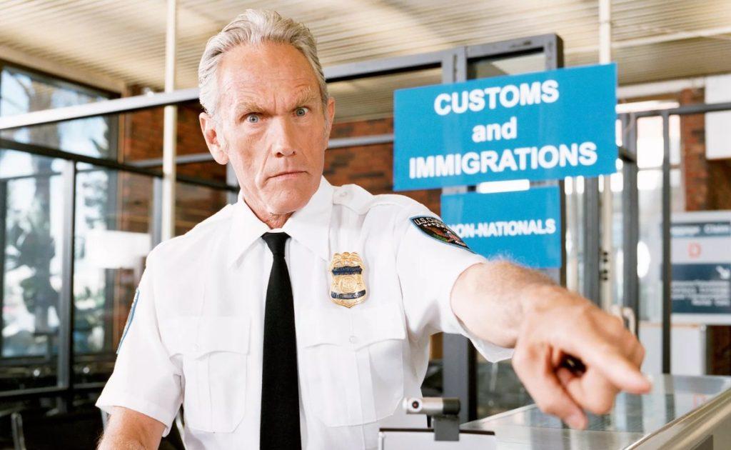Clip2net 180119161350 1024x630 - В аэропортах США за отказ назвать пароль у туристов отберут гаджеты