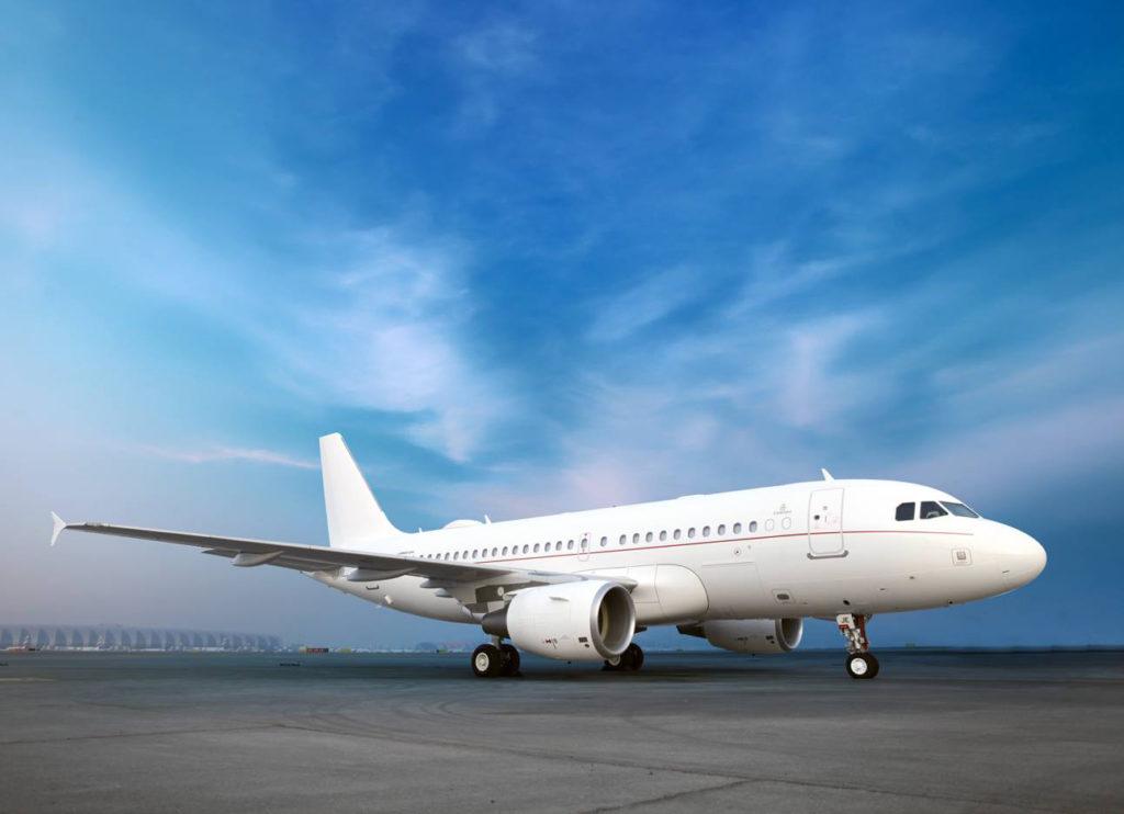 airbus 319 corporate jet ext 2 1024x742 - 6 самых дорогих самолетов мира, доступных для чартера