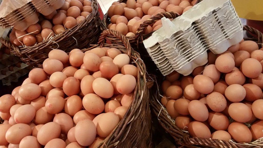 egg 1671574 1920 1024x576 - Дни бюджетных и чартерных авиакомпаний в аэропорту Схипхол сочтены