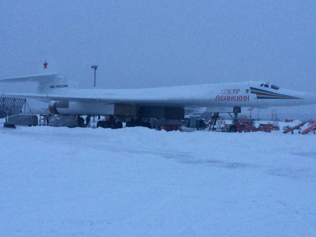 mUFMh2W0in4 1024x768 - Путин предлагает создать гражданский самолет на базе военной модели Ту-160