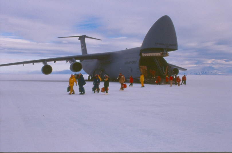 C5 on ice - Ледовый аэропорт - The Ice Runway - NZIR