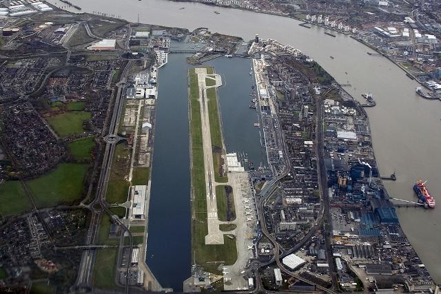 Londyn City 0 - Вблизи Лондон-Сити найдена не разорвашаяся бомба. Аэропорт временно закрыт
