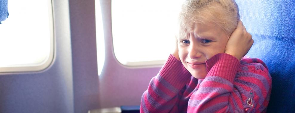 ThinkstockPhotos 467254843 field img hero 988 380 - Что происходит с ушами во время полёта?
