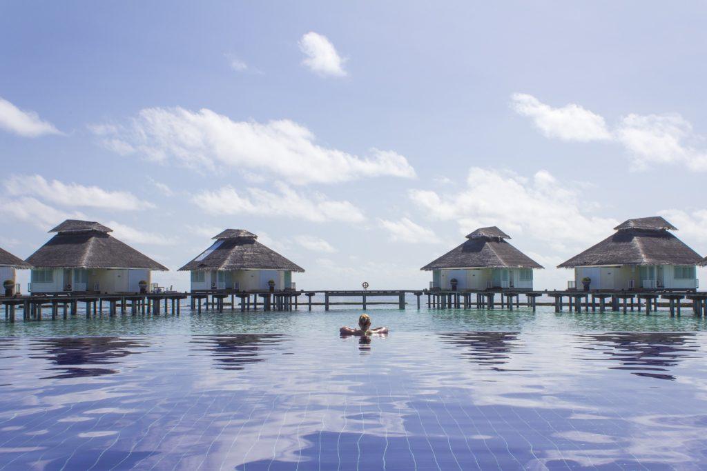 baths 2733321 1920 1024x683 - Отдых на Мальдивах - купить билет и заказать перелет, бронирование отеля на Мальдивах