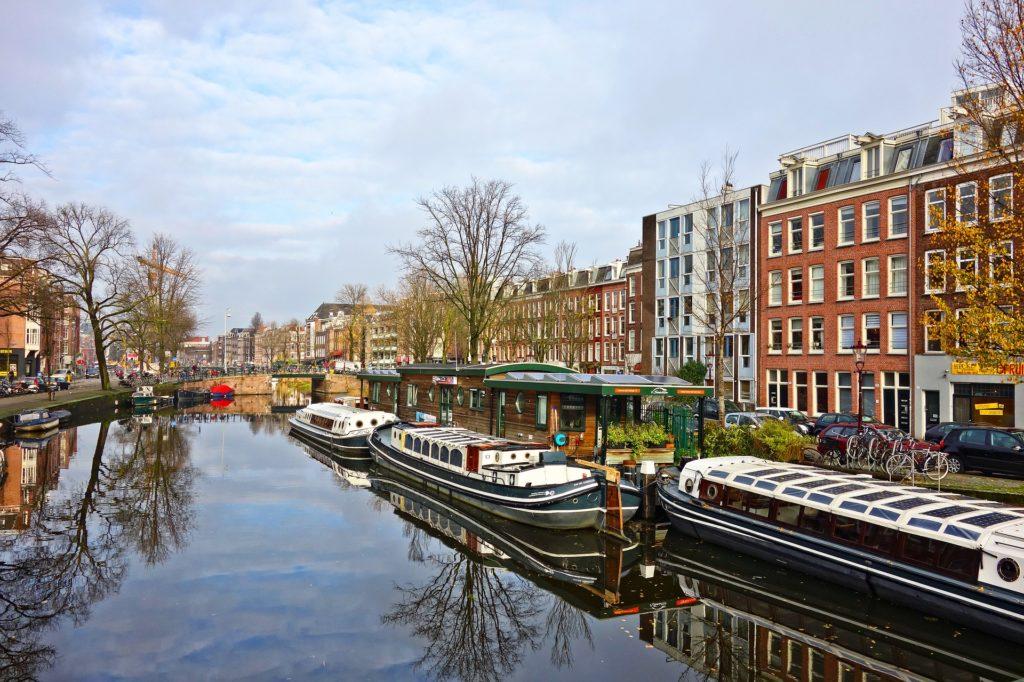 canal 2989865 1920 1024x682 - Перелет до Амстердама из Москвы