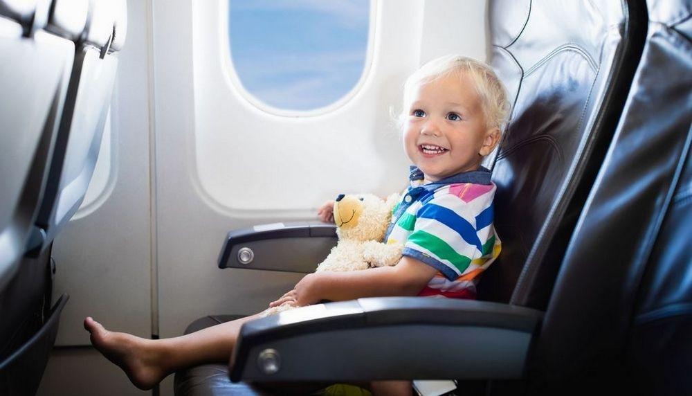 child - Неуправляемые дети и пьяные на борту - может лучше потратиться на аренду бизнес-джета?