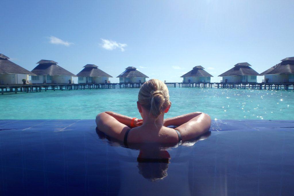 holiday 2733322 1920 1024x683 - Отдых на Мальдивах - купить билет и заказать перелет, бронирование отеля на Мальдивах