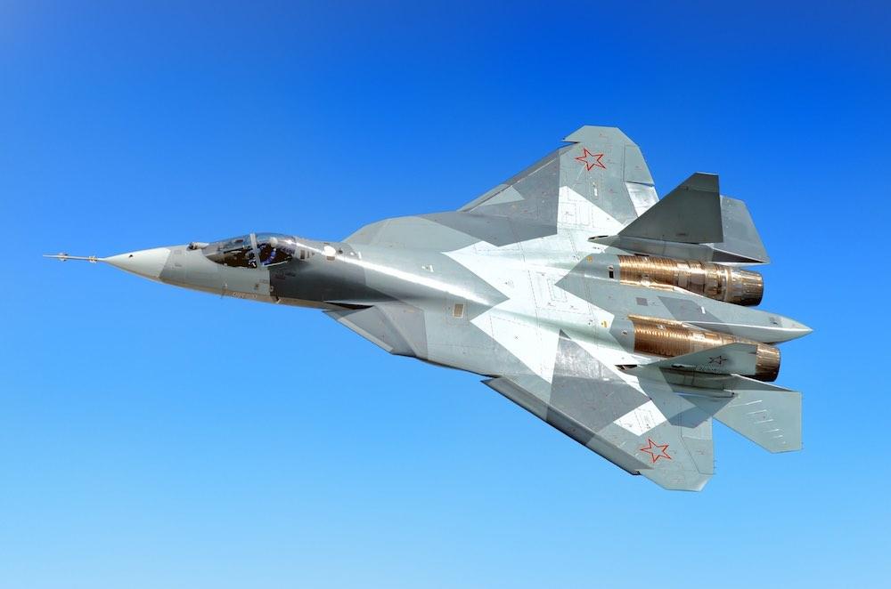 Истребители Су-57 оснастили «умной обшивкой»