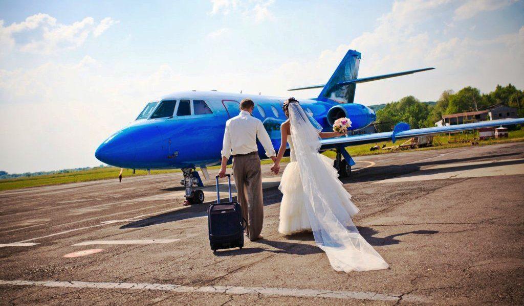 wedding airplane WED0816 1024x599 - В аэропорту Лас-Вегаса открыли бюро регистрации браков