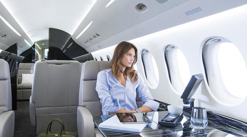 1007 03210 - Самолёты Falcon 7X и 8X: какая модель подкупит рынок?